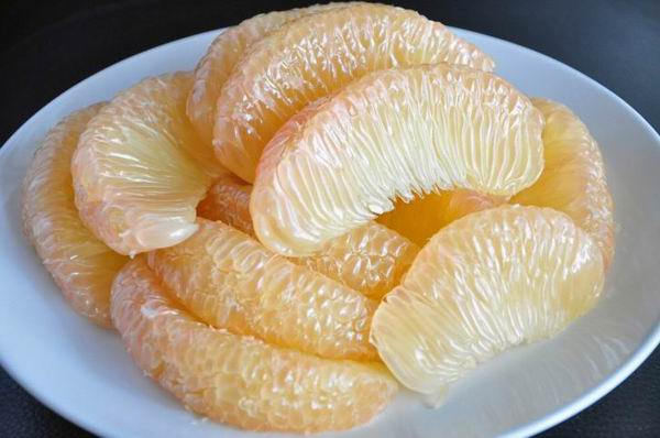 pomelo slices